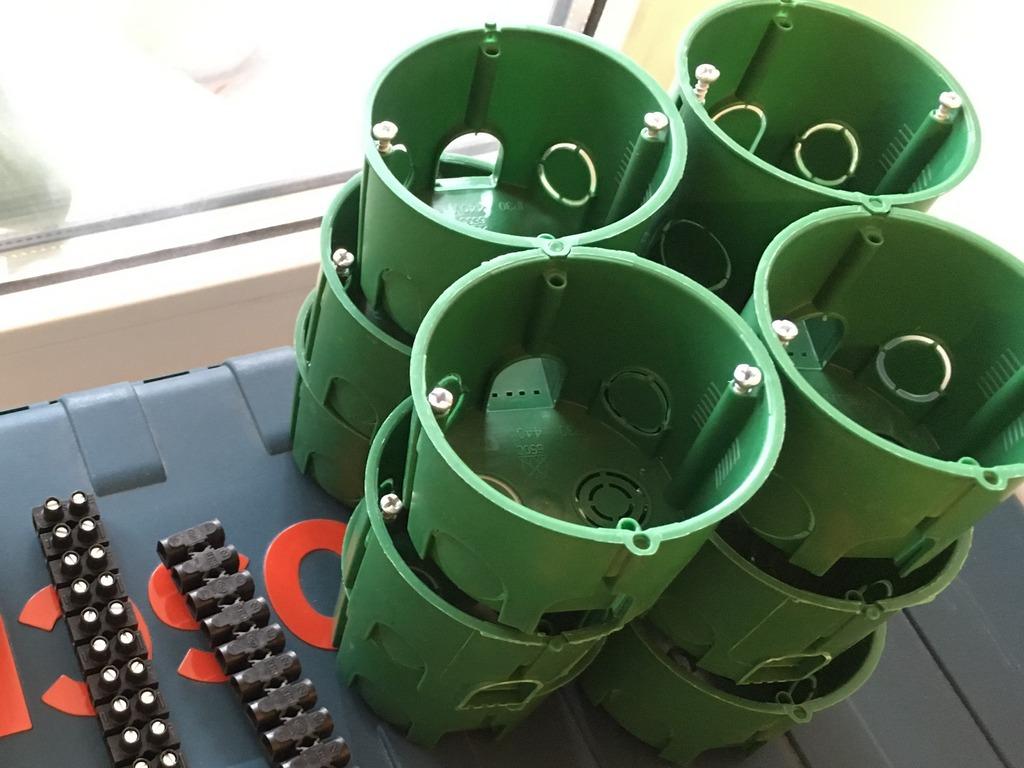 Коробки для розеток и выключателей размеры