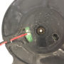 Ось крыльчатки вентилятора увлажнителя состатками старой смазки