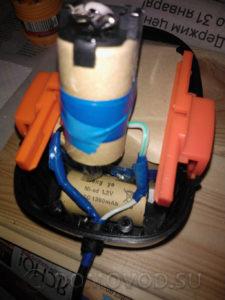 Размещение проводов внутри корпуса аккумулятора